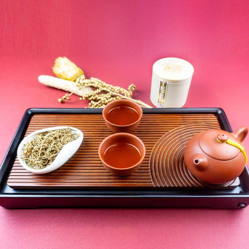 kaiser-huang-cha-schraeg-arrangement Gelber Tee ist die seltenste aller Teesorten