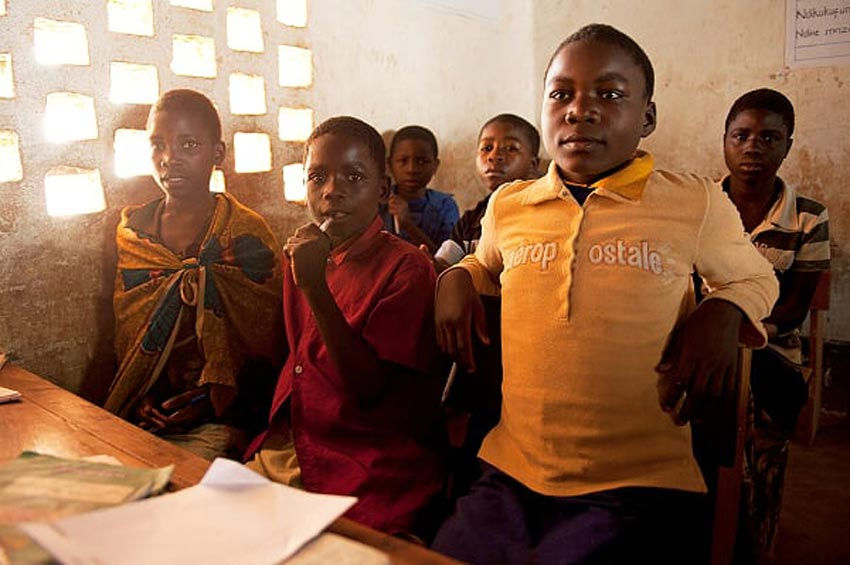 AtSchool1 Kleinbauern Initiativen gestalten den Tee Handel nachhaltig und fair und erzeugen beste Teespezialitäten